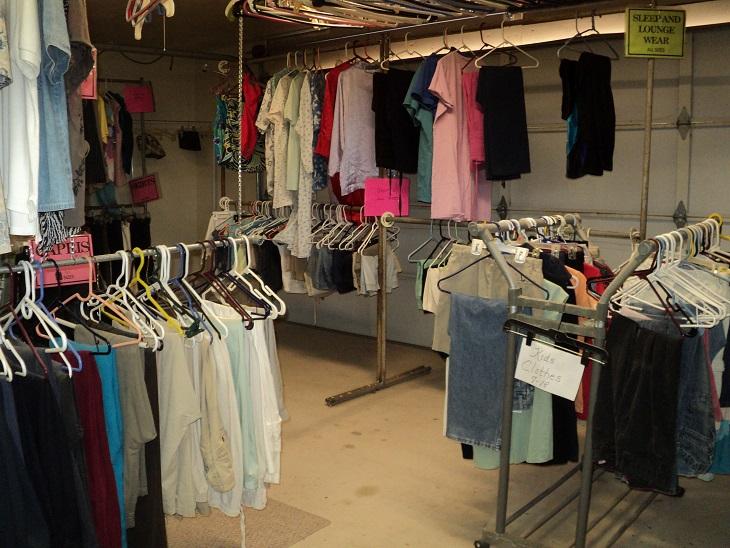 clothingroom-gen